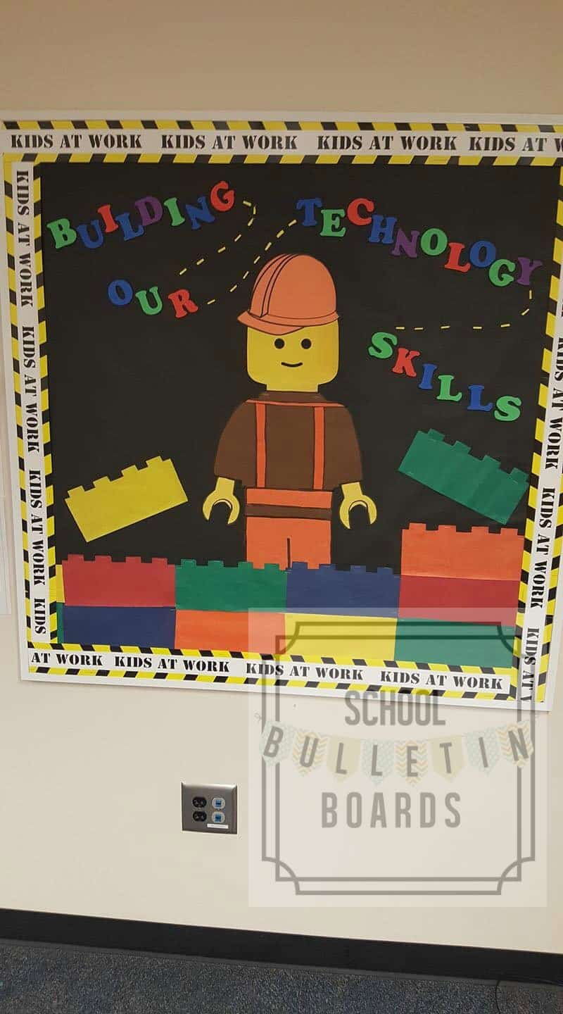 Elementary school computer lab bulletin boards can really use novelty since they teach multiple grade levels and standards throughout the school day. #schoolbulletinboards #technology