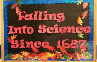Use this interactive bulletin board to encourage science students to find a science fact without your help.  Great for research practice! #science #bulletinboard